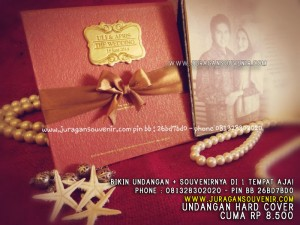 Undangan Hard Cover Kode 107