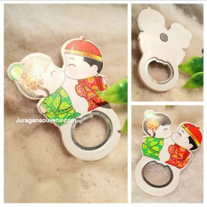 Magnet Kulkas Pembuka Botol China Couple