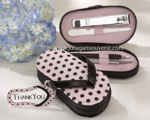 pot dot flip flop manicure set