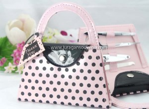 Pot dot hand purse manicure set
